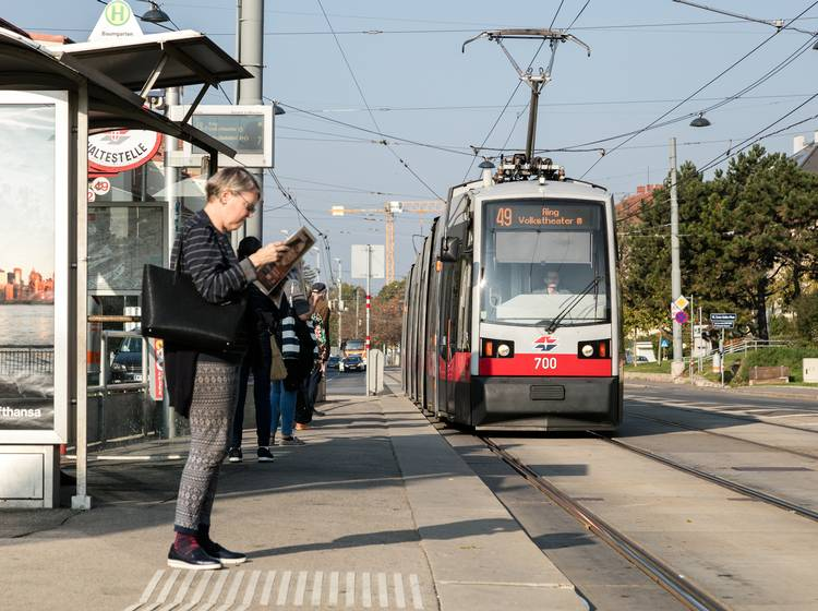 Kran Verursacht Straßenbahn Chaos In Wien Straßenbahnchaos Bim W24